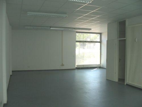 laden b rofl che in ro dorf gundernhausen. Black Bedroom Furniture Sets. Home Design Ideas
